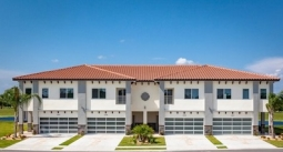 Golf Club Villas - Luxury Townhomes